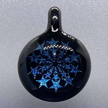 Dichroic star image pendant