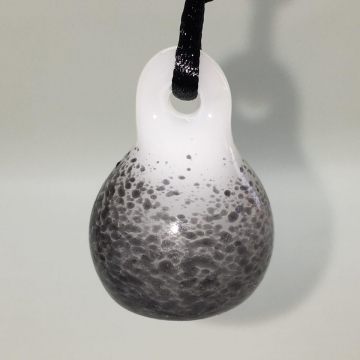 Black & White Essential Oil diffuser Pendant